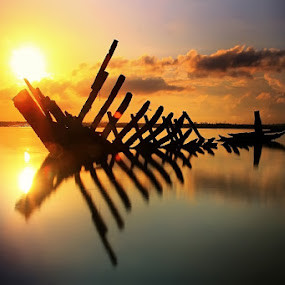 Sunrise by Krishna Mahaputra - Landscapes Sunsets & Sunrises ( landscape )