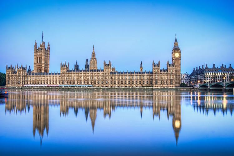 Westminster Palace, salah satu karya terkenal Sir Charles Barry - source: archdaily.com