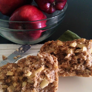 Low-Fat Cinnamon Apple Muffins