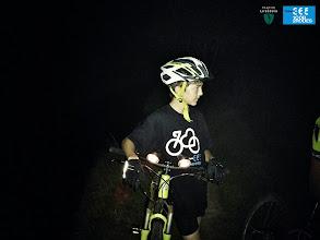Photo: Reagrupament de ciclistes a la sota les estrelles