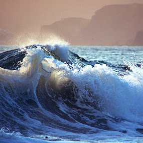 Tide Crashing in by Bill      (THECREOS) Davis - Landscapes Waterscapes ( blue, waves, tide, wave, sea, ocean,  )