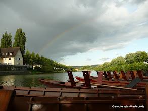 Photo: Nach dem Rennen das beliebte Stocherkahnfahrerfest - Regenbogenstimmung noch dazu.