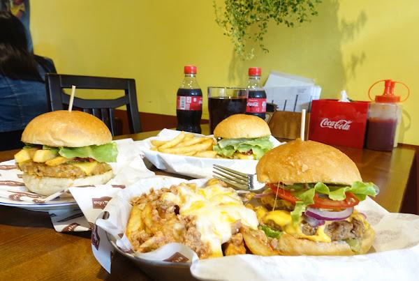 Little Cuba 小古巴 漢堡控必吃 慕名古巴小帥哥的漢堡店!!