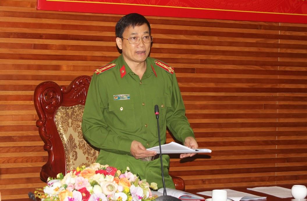 Đồng chí Đại tá Nguyễn Mạnh Hùng, Phó Giám đốc Công an tỉnh phát biểu tại điểm cầu Công an Nghệ An