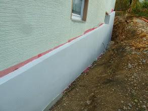 Photo: Die seitliche Wand ist isoliert und verputzt.