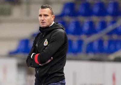 """Hayen valt spelers niet af en geeft niet op maar benoemt pijnpunten zéér duidelijk: """"Het kan zo niet blijven duren"""""""