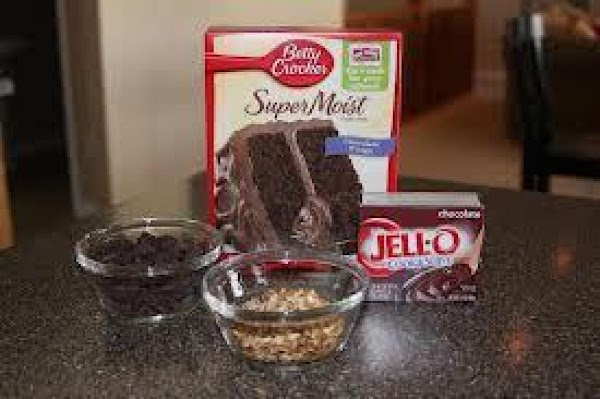 preheat oven to 350^. Spray a 9x13-inch cake  dish and set aside.---In a...