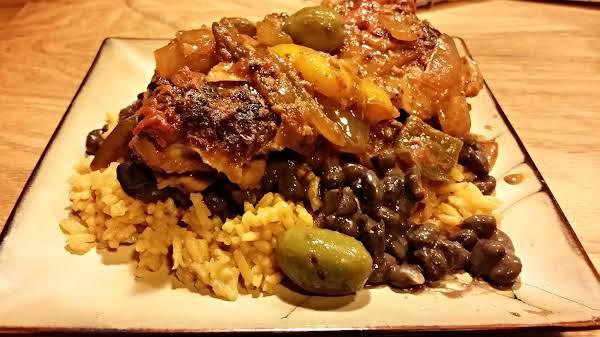 Dominican Pollo Guisado / Stewed Chicken