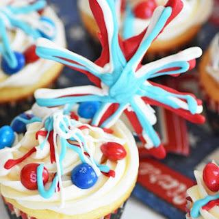 Patriotic Surprise Firework Cupcakes.