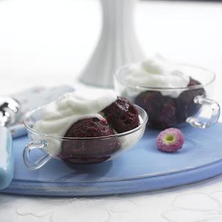 Quick Berry Sorbet with Vanilla Cream