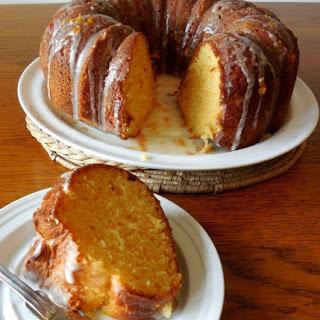 EASY ORANGE BUNDT CAKE.