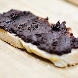 Homemade Chocolate Paste {vegan, Raw, Gluten-free}