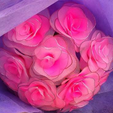 手作粉紅玫瑰花束