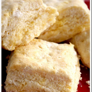 Thanksgiving Worthy Cornmeal Biscuits…and a Giveaway