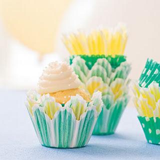 Bite-Size Sour Cream-Pound Cake Cupcakes (Basic Cupcake Batter)