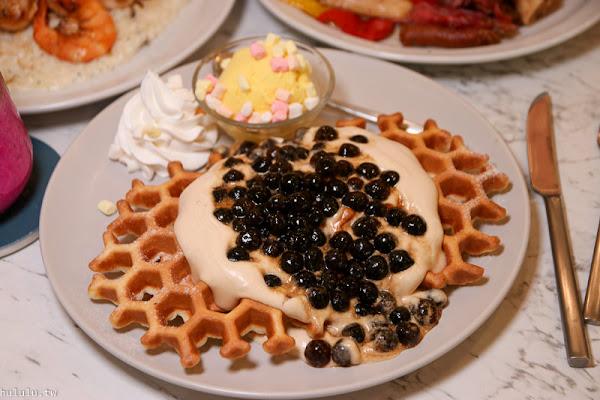 高雄美食餐廳「夏佐廚房」都市裡的清新小叢林感,好美好拍,餐點也是必點美味推薦。網美必訪!|約會餐廳|早午餐|義大利麵|