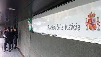Condenados dos promotores a indemnizar a una treintena de compradores extranjeros de casas ilegales en Almería