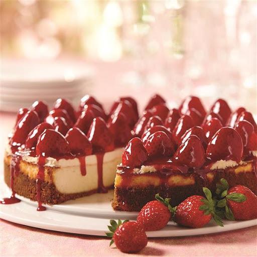 Strawberry Cheesecake with Walnut Crust