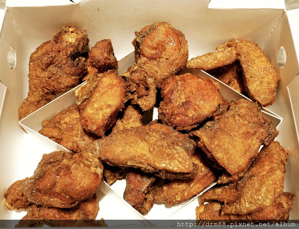 繼光香香雞現在有全雞了,薄皮一隻雞,限量上市,信義誠品B2門市,衝啊~