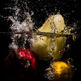 Healty splash by Nikola Bogdanic - Food & Drink Fruits & Vegetables ( lemon pear paprika water splash )