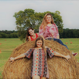 Country Family Pic by Jessica Rose - Babies & Children Child Portraits ( country, daughters, familypic, farm, family,  )