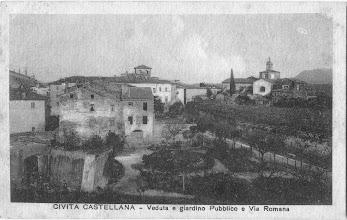 """Photo: Civita Castellana. I """"Giadinetti"""" di Via Roma. Prima metà del '900 [Per gentile concessione di Franca Pelinga]."""