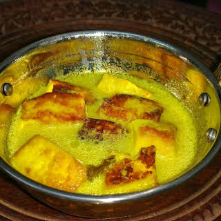 Kashmiri Paneer - A healthy cottage cheese curry.