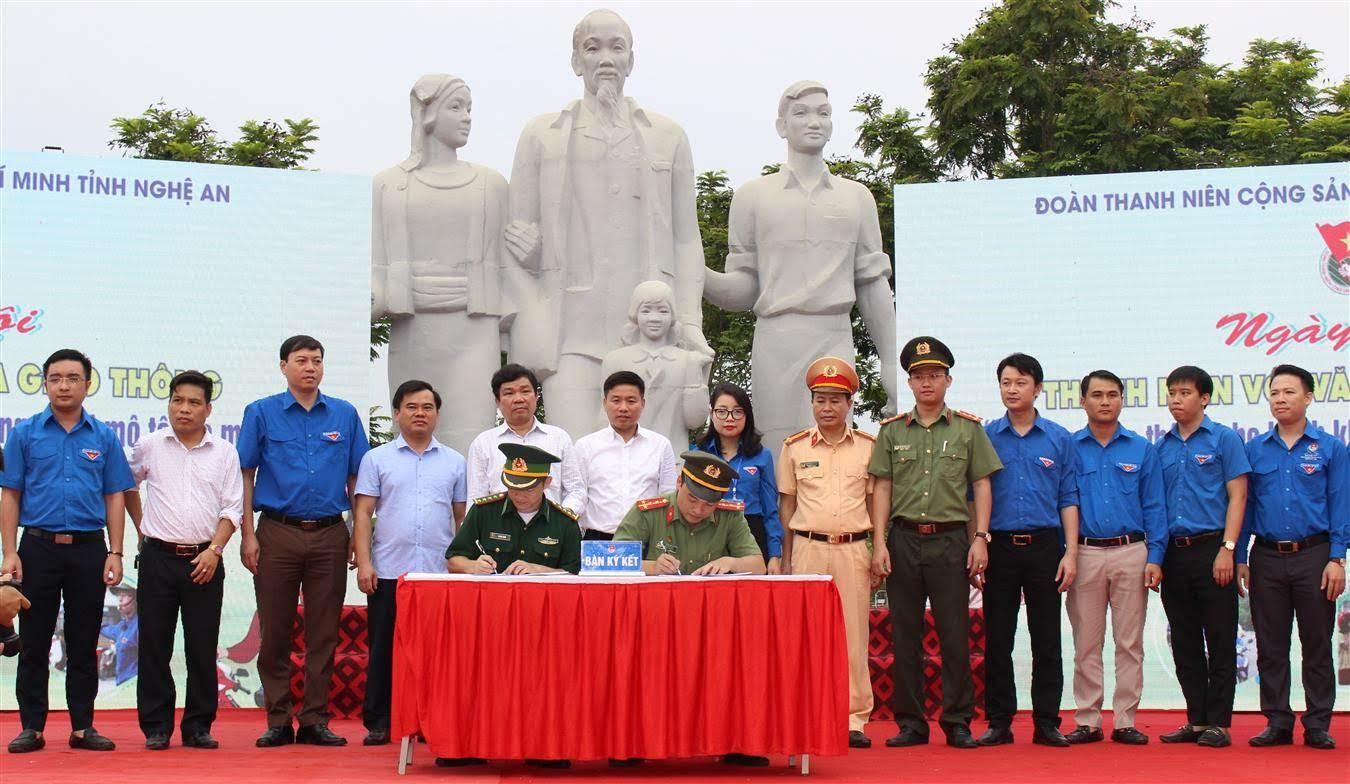 Các đơn vị ký kết tại lễ phát động