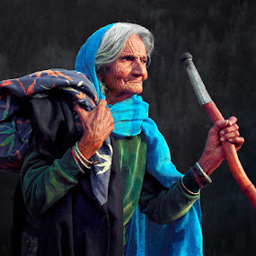 The Traveller by Nayyer Reza - People Street & Candids ( wrinkied face, color, nayyer, old woman, reza,  )