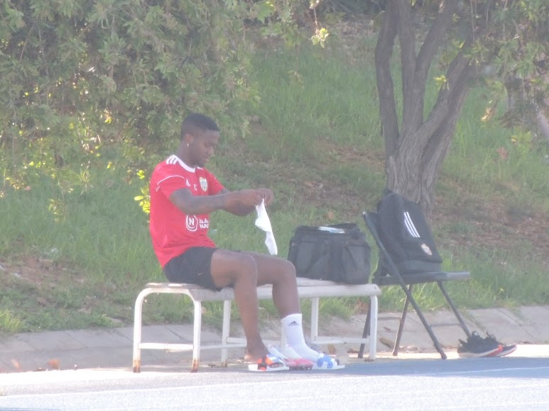 Jonathan preparándose para entrenar.
