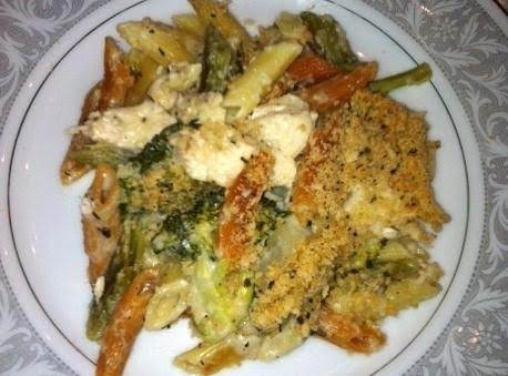 Skinny Creamy Garlic Chicken & Broccoli Casserole Recipe