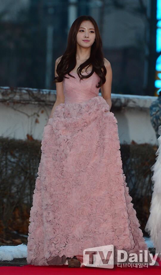 naeun gown 15