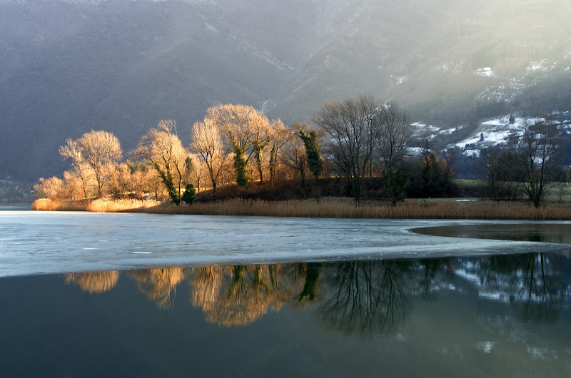 Il lago ghiacciato  di Turibol