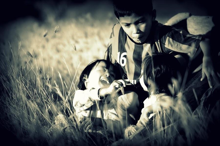 Playin in the Grass Field... by FJ FJ - Babies & Children Children Candids ( playing, field, child, grass, children )