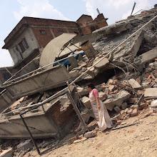 Photo: Destrucción provocada por el terremoto en Katmandú.