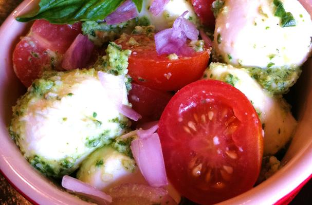 Mozzarella Pesto Salad Recipe
