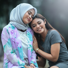 Friendship by Rahmat  Fiqih - People Portraits of Women ( friends, girl, friendship, women, young )