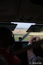 Photo: Det knipses og filmes under landing på Duxford Airport.