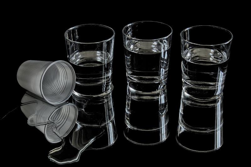 L'inutilita' del bicchiere di plastica. di paolo1954