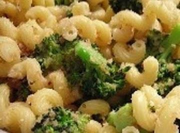 Pasta And Chicken In Roasted Garlic Sauce Recipe