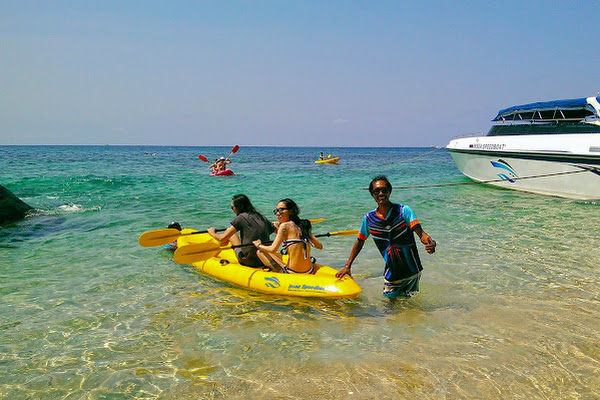 Exclusive kayaking experience at Koh Tao's east-coast