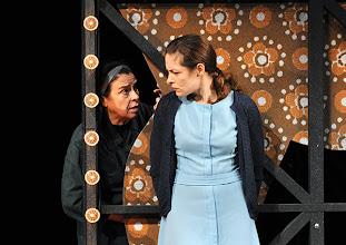 Photo: Wien/ Burgtheater: LILIOM von Franz Molnár. Inszenierung Barbara Frey, Premiere 6.4.2013.  Brigitte Furgler, Katharina Lorenz. Foto: Barbara Zeininger