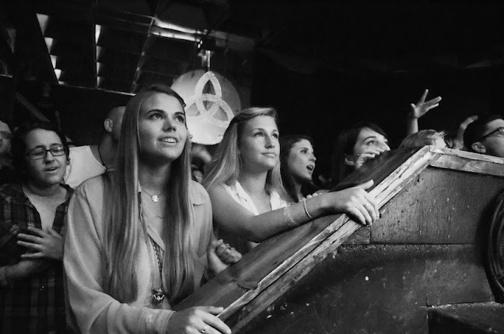 Ladies at Dr. Dog | Photo by Robby Campbell