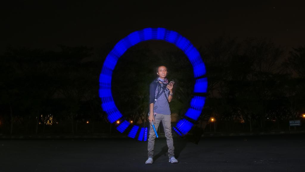 fotografer prewedding surabaya light painting unik