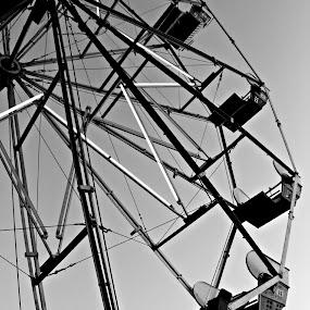by Kyle Archerd - City,  Street & Park  Amusement Parks