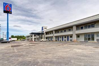 Motel 6 Cleveland International Airport - North Ridgeville