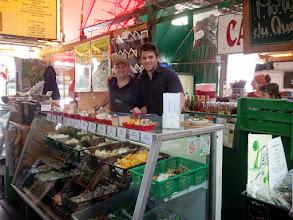Photo: Notre Kiosque au Marché Jean Talon avec Benoit et Harold
