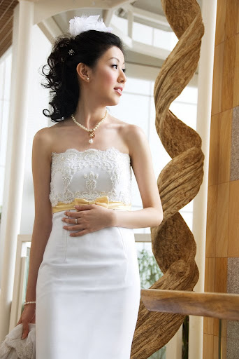 Slim Fit White Wedding Gowns