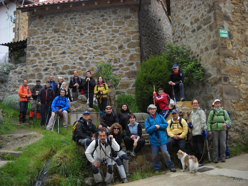 Fotos del grupo en Tejerina, una de las cunas del Cea