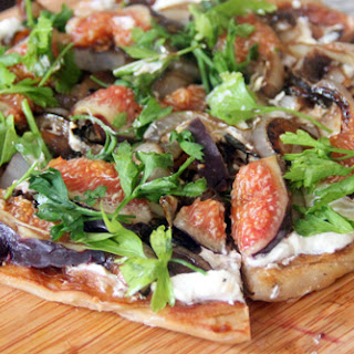 Fresh Fig and Onion Flatbread Pizza